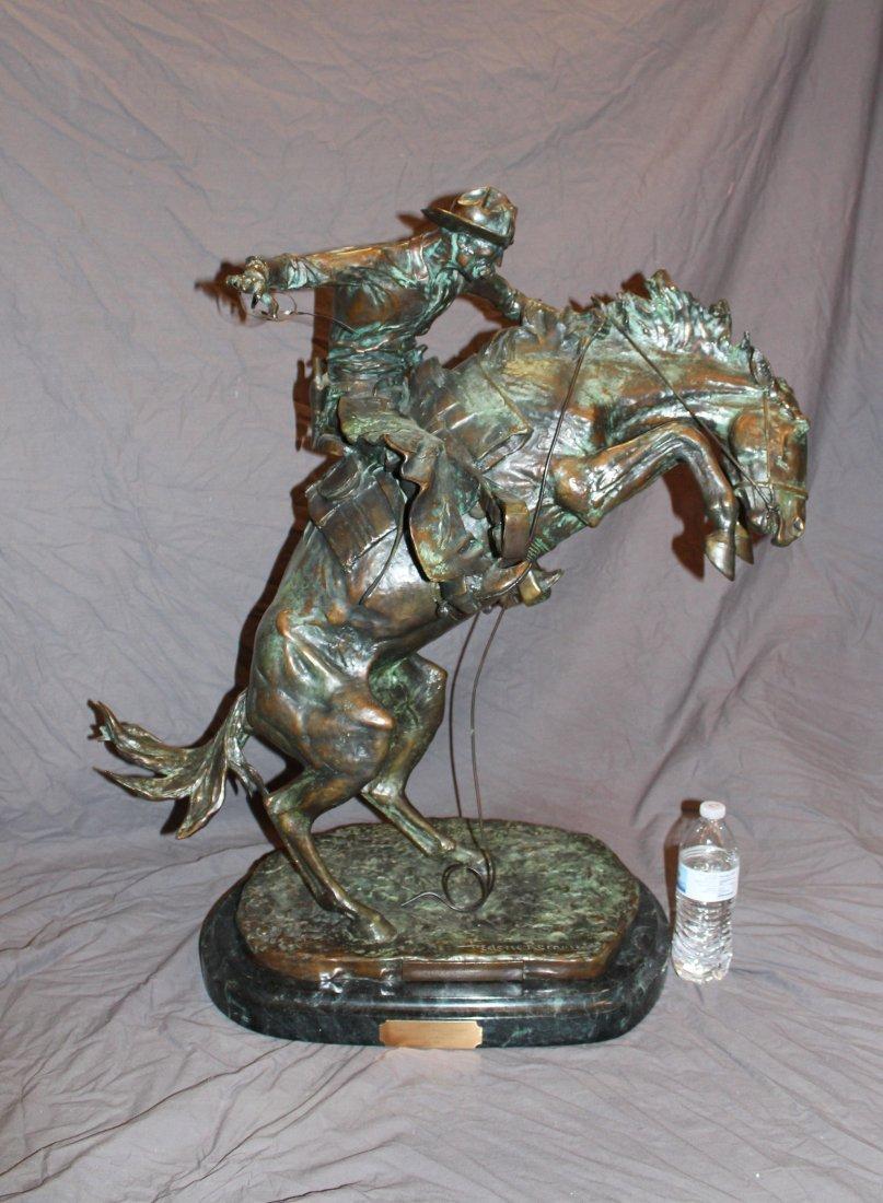 Frederick Remington Bronco Buster in verde bronze