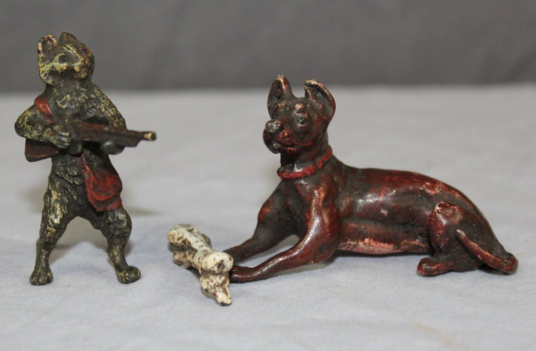 Lot of 2 cold painted bronze miniature figurines