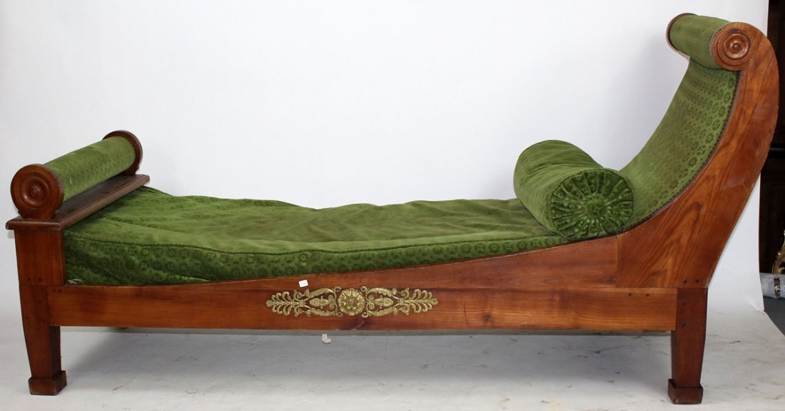 French Empire daybed in walnut
