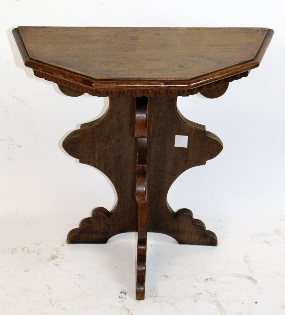 Antique Tuscan side table in walnut - 2