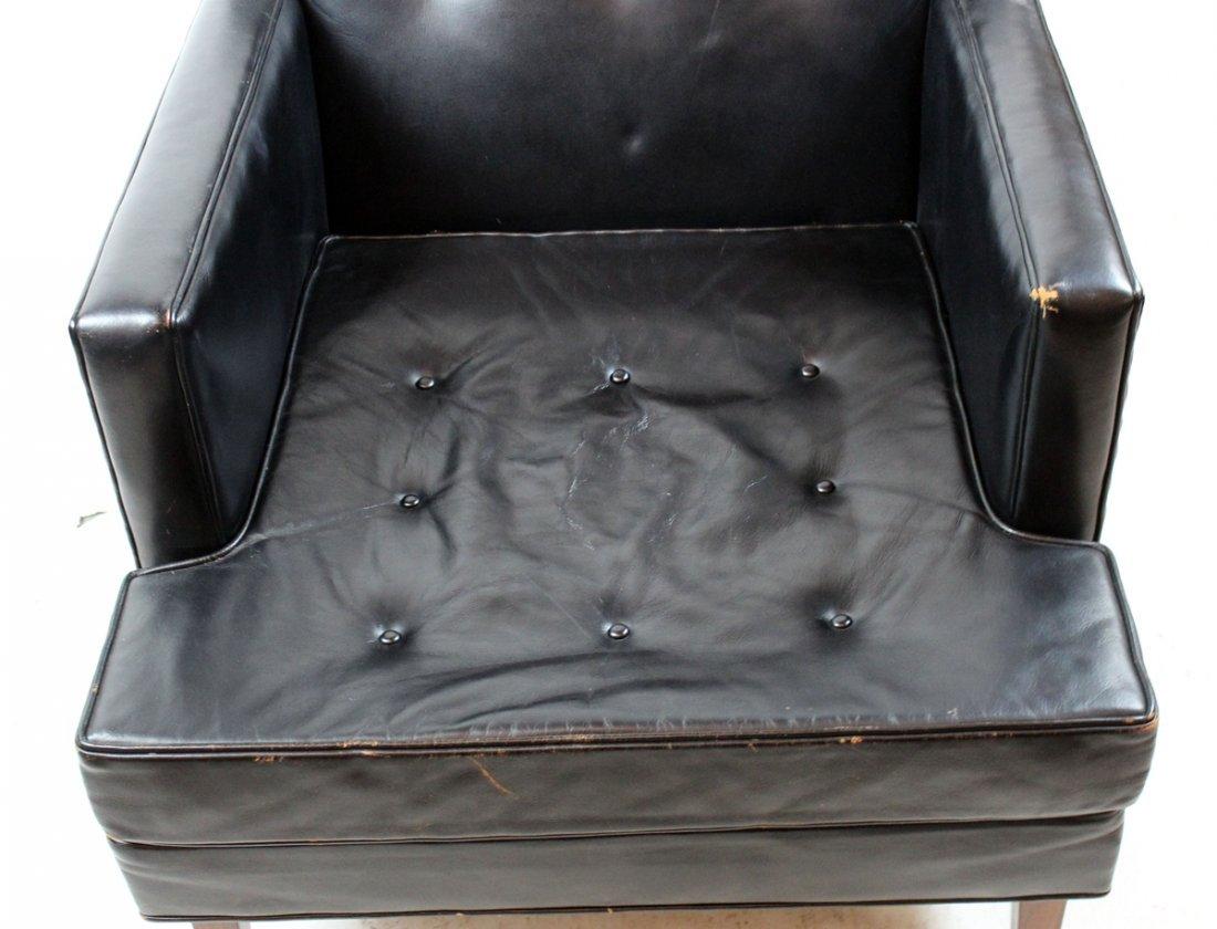 Dunbar Mid-century black leather armchair - 3