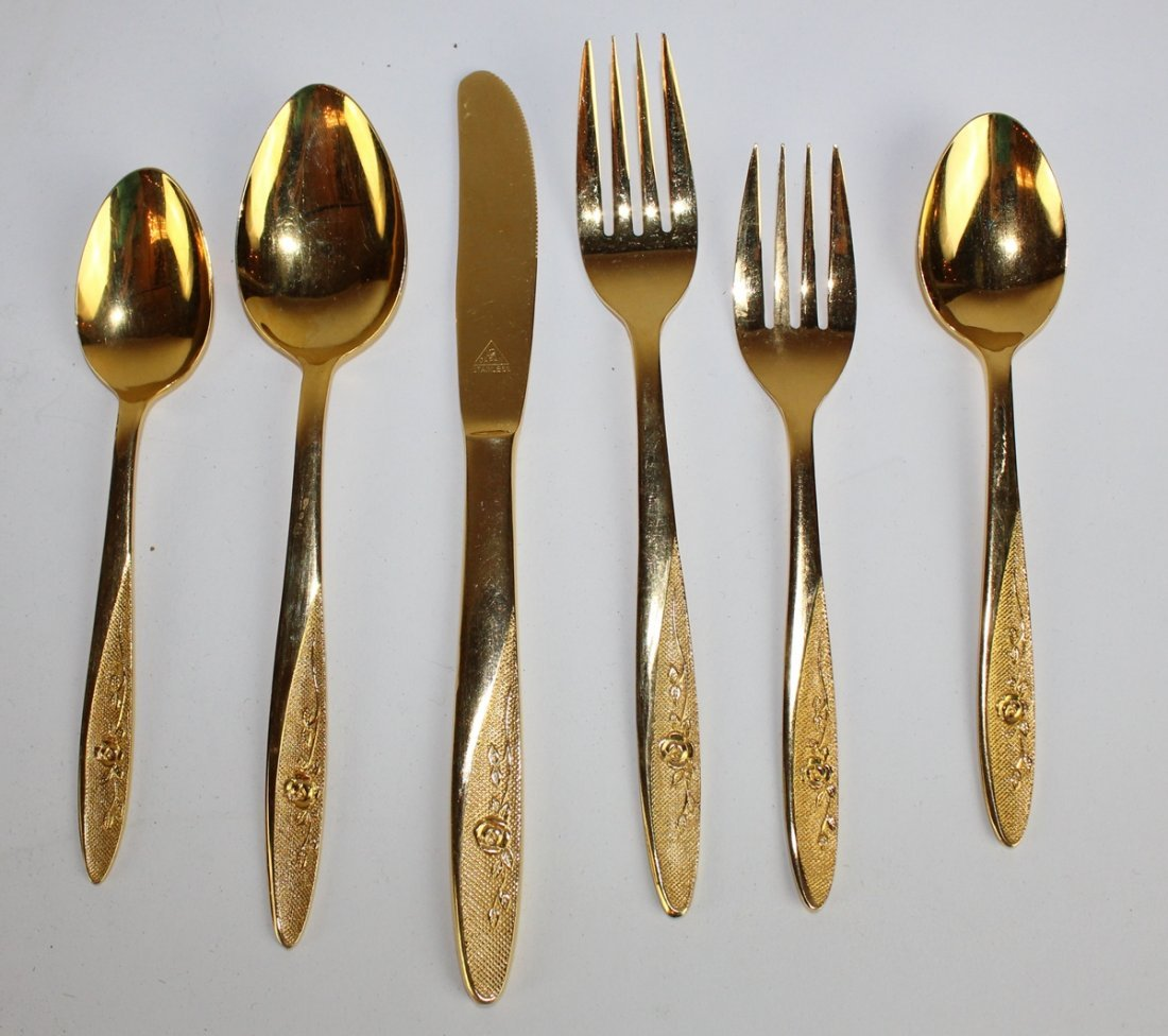 Gold plated flatware service for 16 - 2