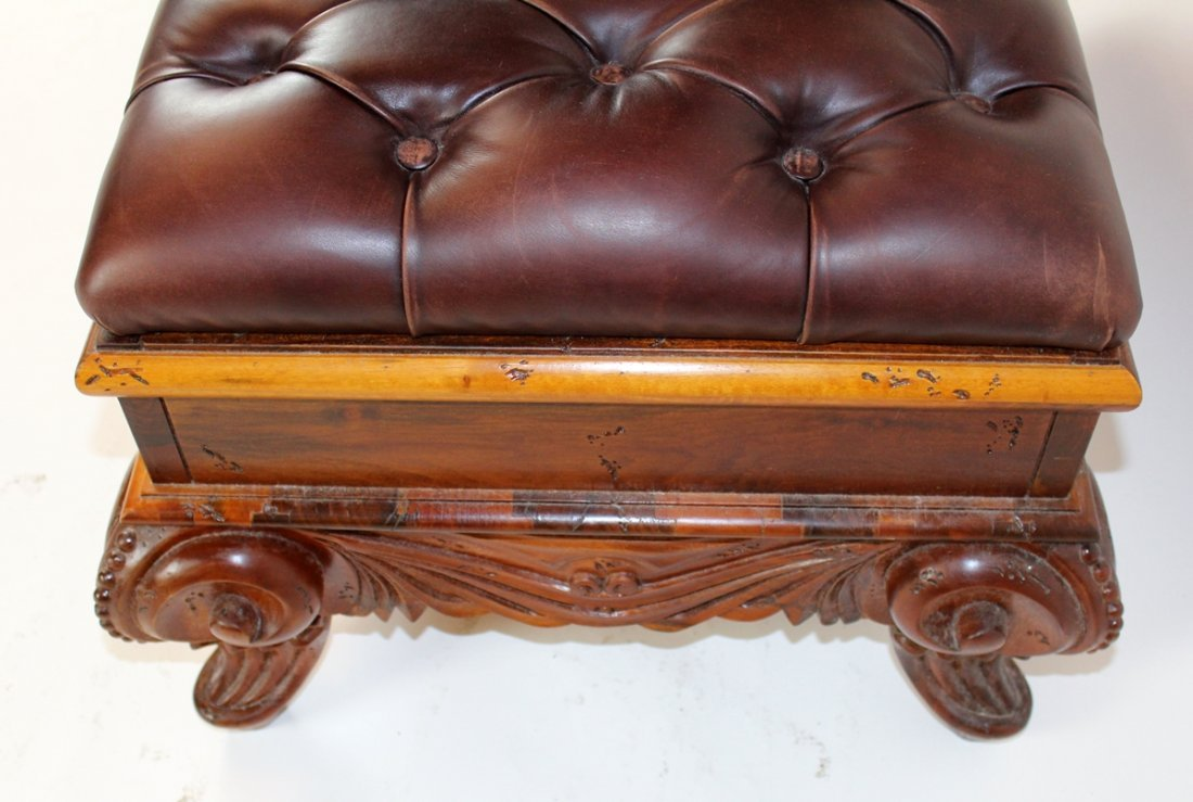 Rococo style ottoman with tufted leather - 3