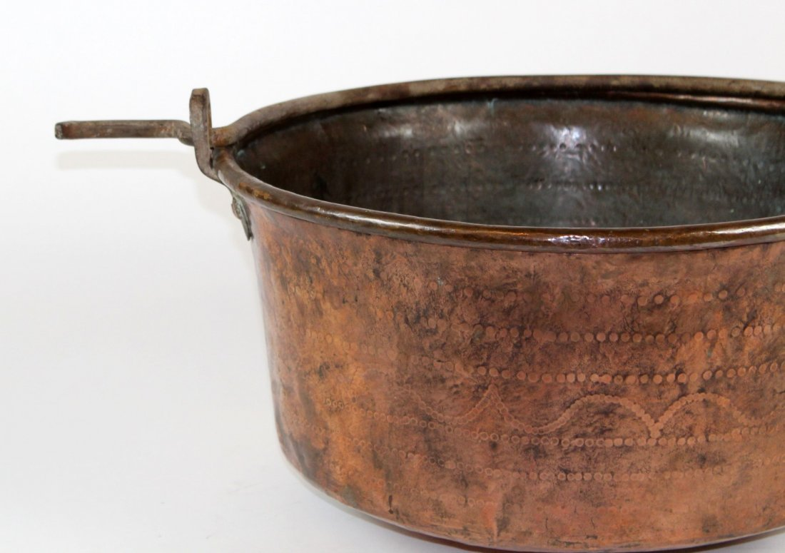 Large antique French copper cauldron - 2