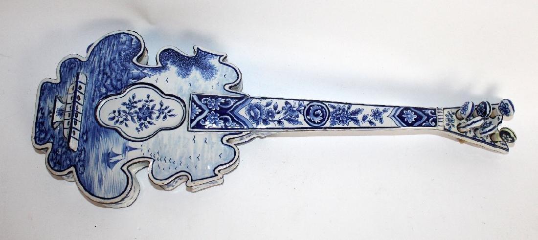 Delft porcelain string instrument form wall planter - 2