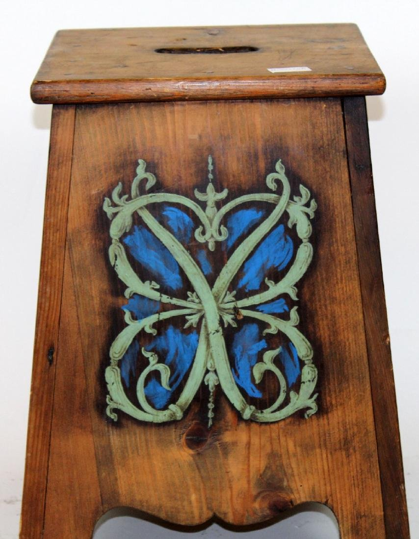 French painted pine stool with family crest - 2