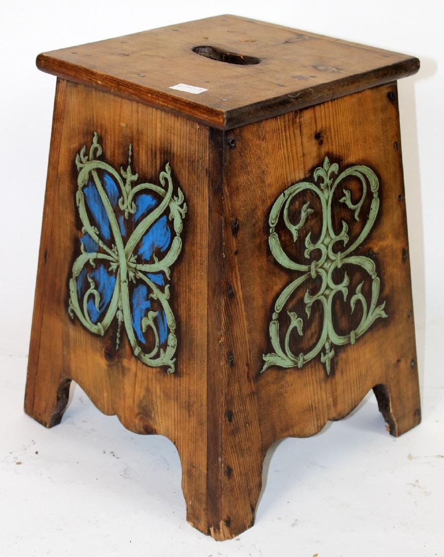 French painted pine stool with family crest - 3