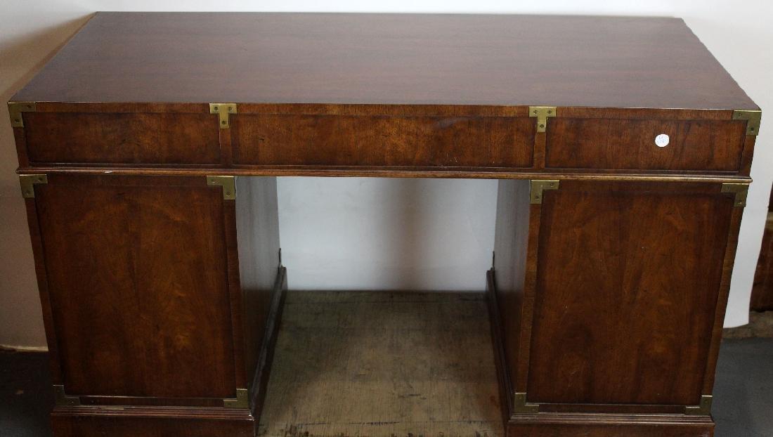 Vintage Campaign style desk by Henredon - 6
