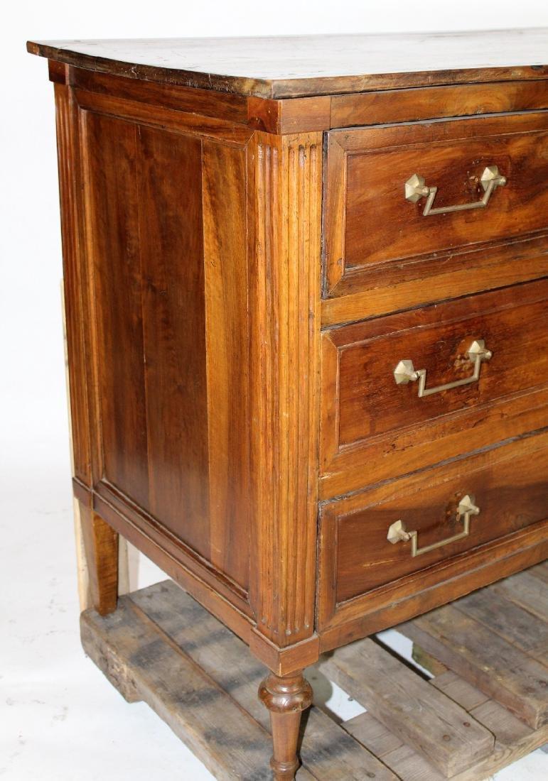 Louis XVI 3 drawer commode in walnut - 4