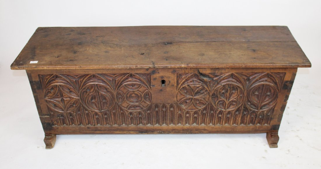 French Gothic trunk in carved walnut - 2