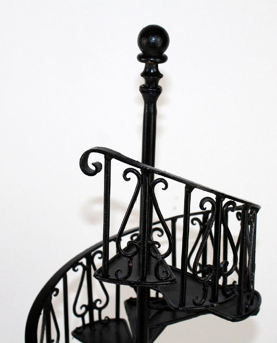 Iron spiral staircase model - 3
