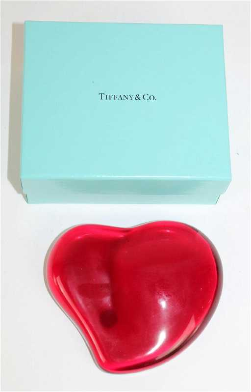 e6c1ce36204f Elsa Peretti for Tiffany & Co Red Heart Paperweight
