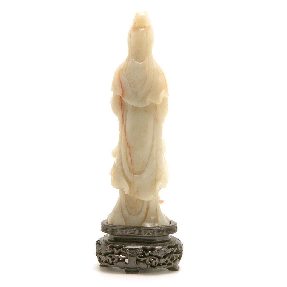 Jade Figure of Guanyin, Late Qing/Republic Period - 3