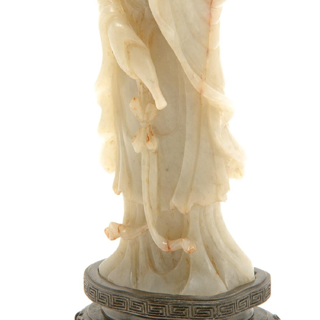 Jade Figure of Guanyin, Late Qing/Republic Period - 6