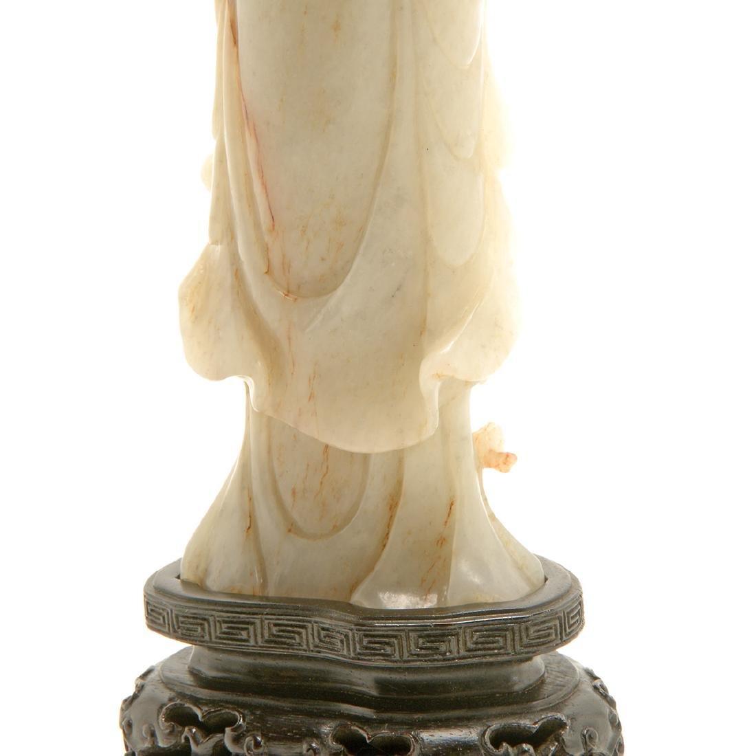 Jade Figure of Guanyin, Late Qing/Republic Period - 8