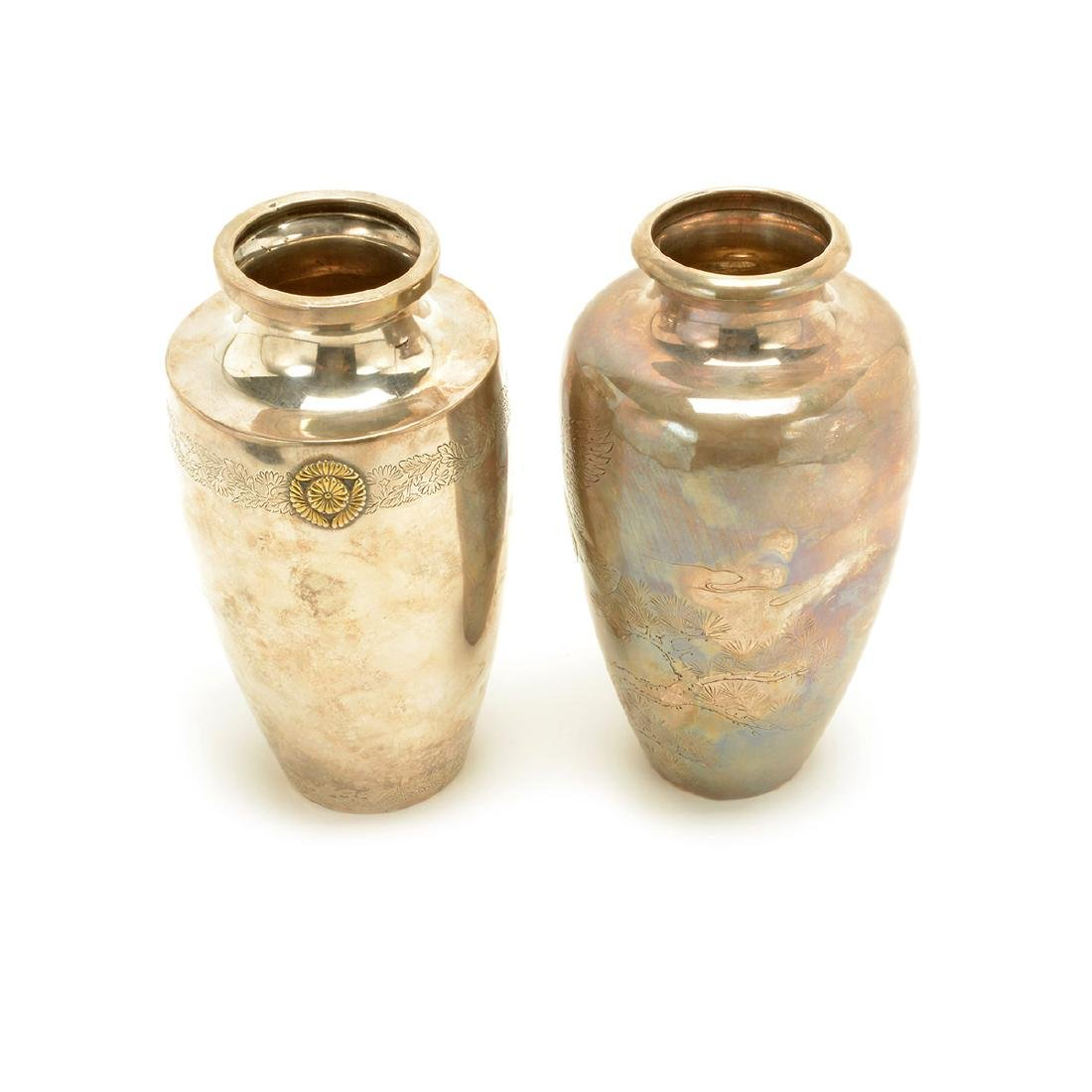 Two Baluster Silver Vases, Meiji Period - 3