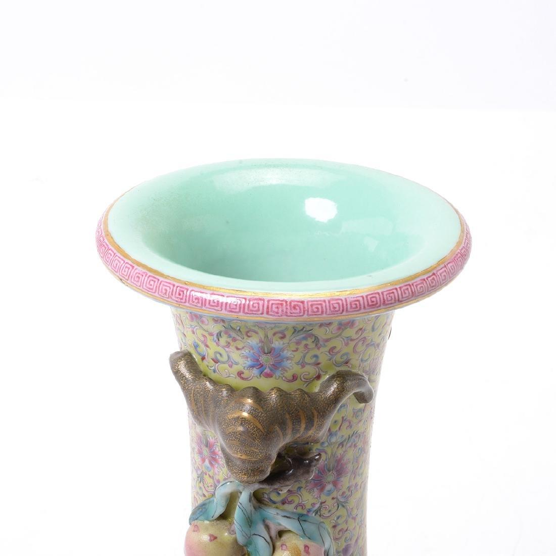 Famille Rose Square Form Vase, Republic Period - 3