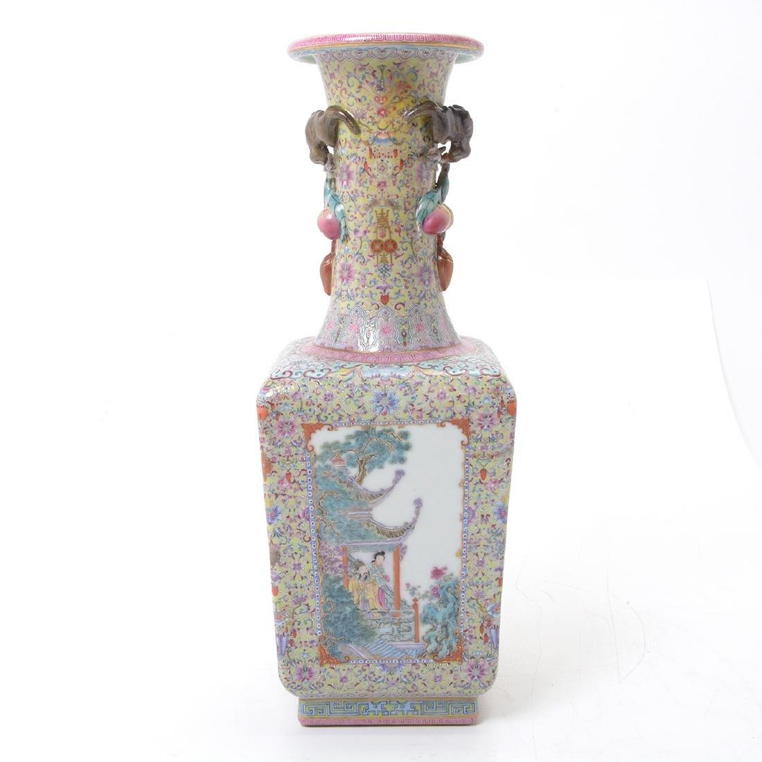 Famille Rose Square Form Vase, Republic Period - 4