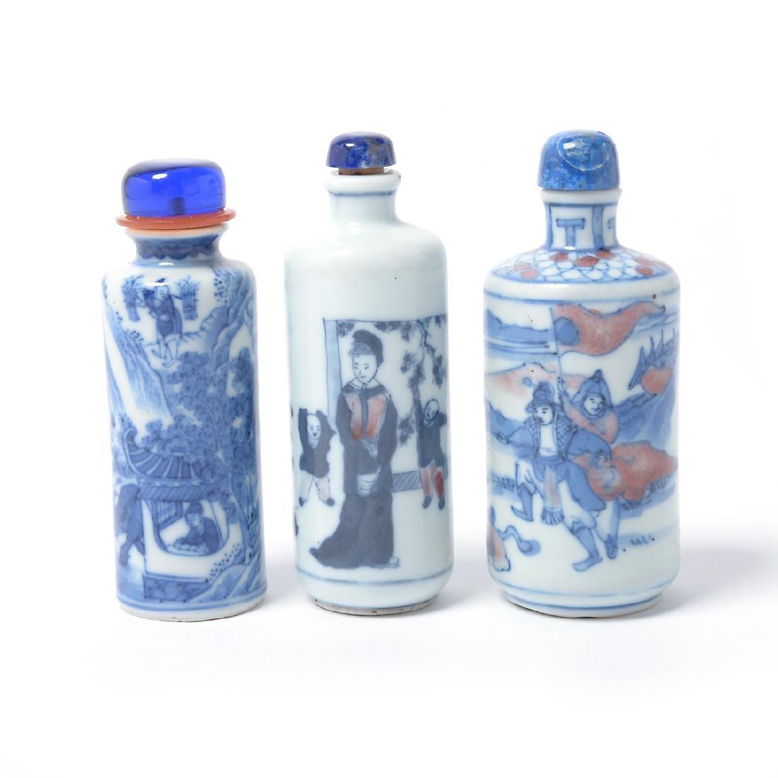 Three Underglaze Blue Porcelain Snuff Bottles, 19th C - 2