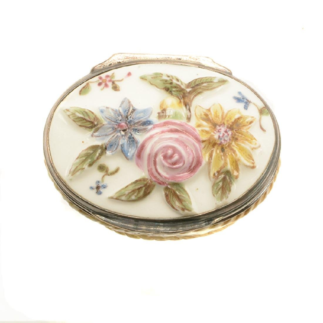 French Mennecy Silver Mounted Porcelain Snuff Box - 6
