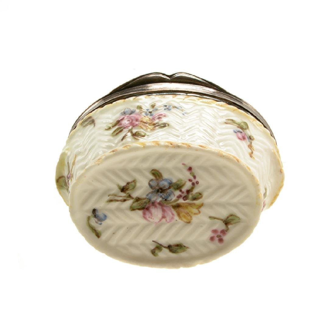 French Mennecy Silver Mounted Porcelain Snuff Box - 8