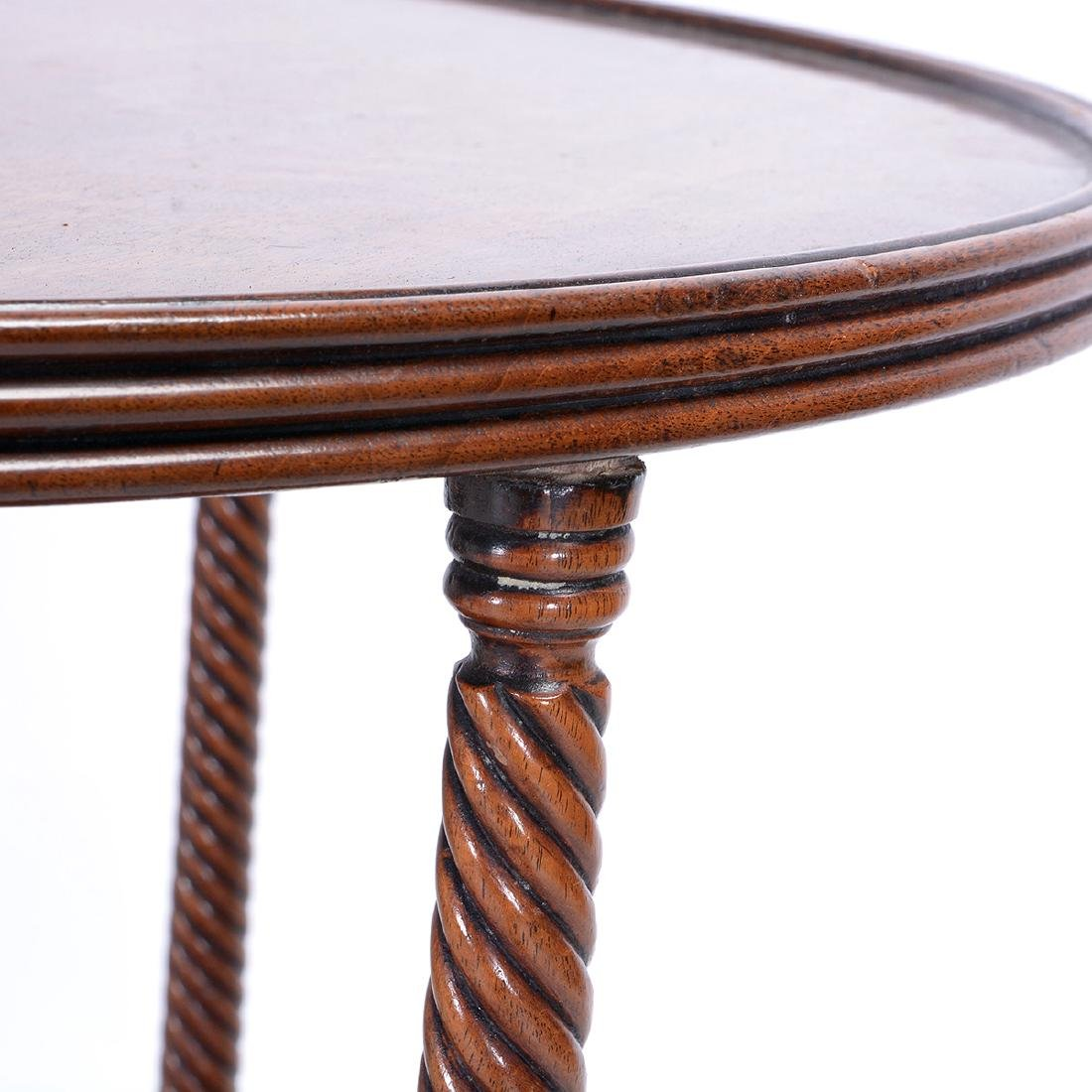 Late George III Two Tiered Tripod Accent Table - 4