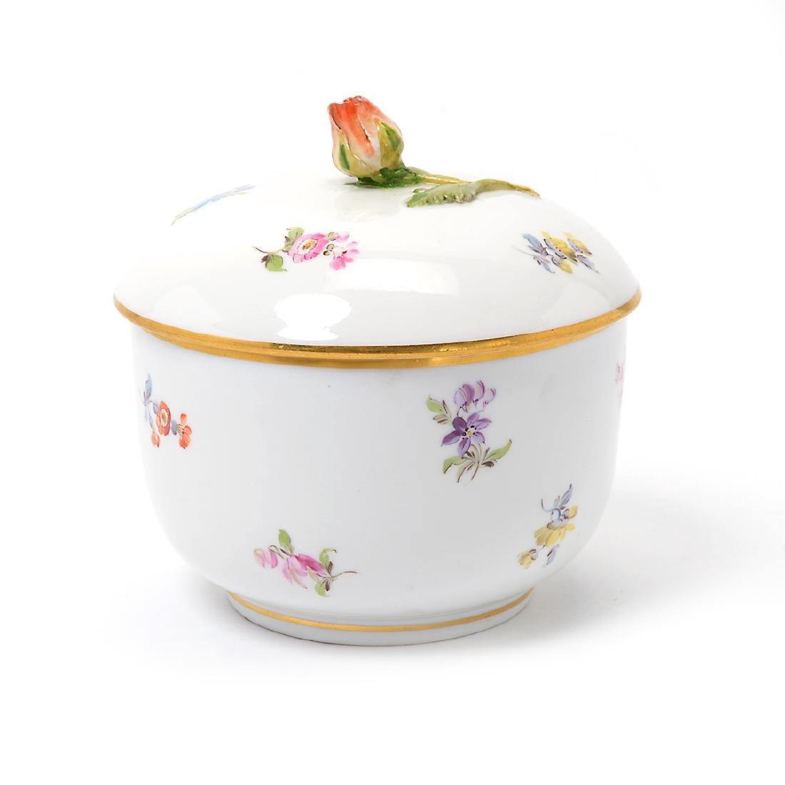 German Porcelain Bowl with Landscape Vignettes, 18th - 4
