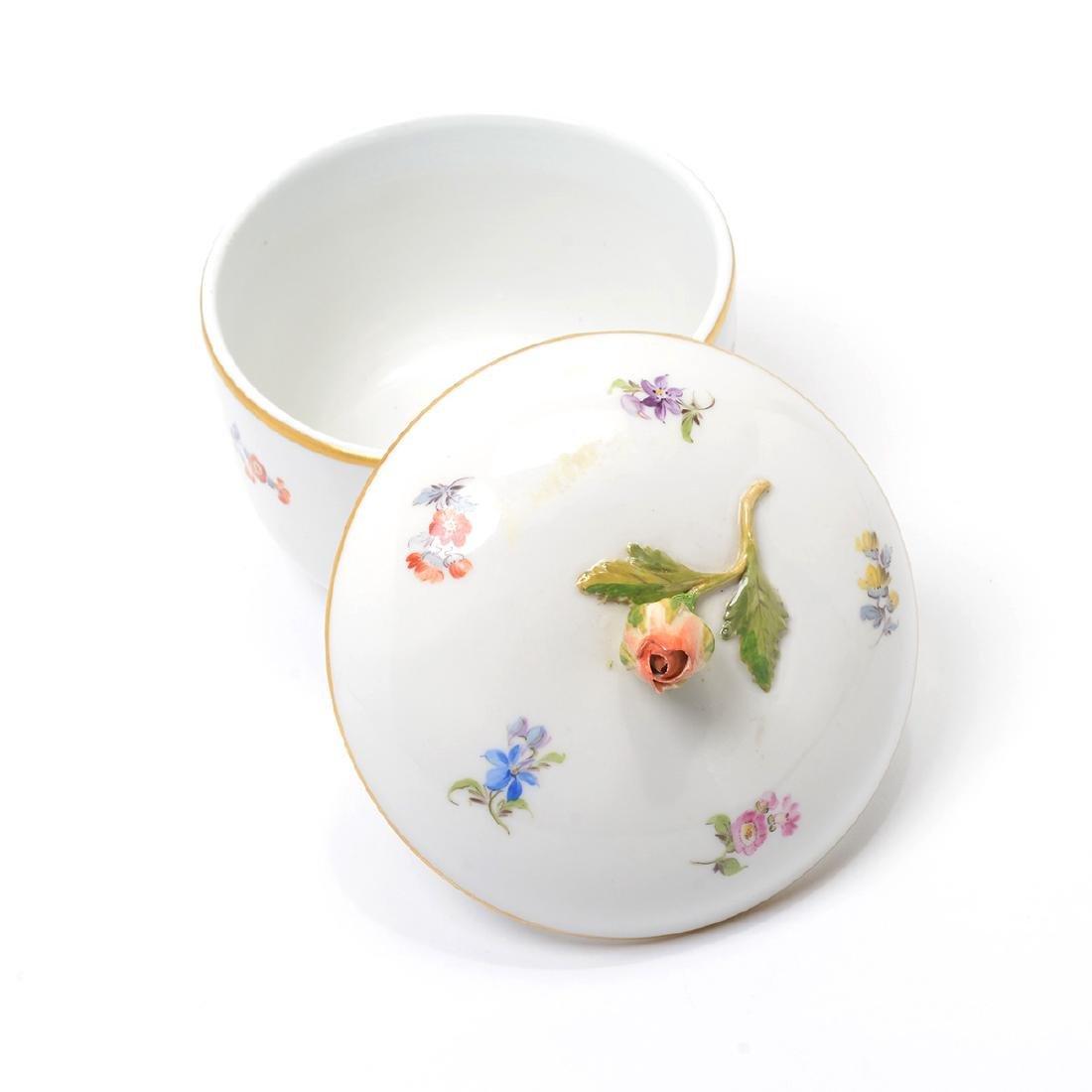 German Porcelain Bowl with Landscape Vignettes, 18th - 5