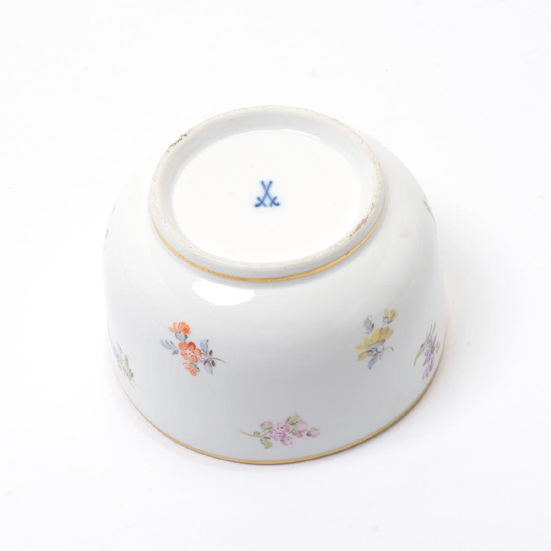 German Porcelain Bowl with Landscape Vignettes, 18th - 6