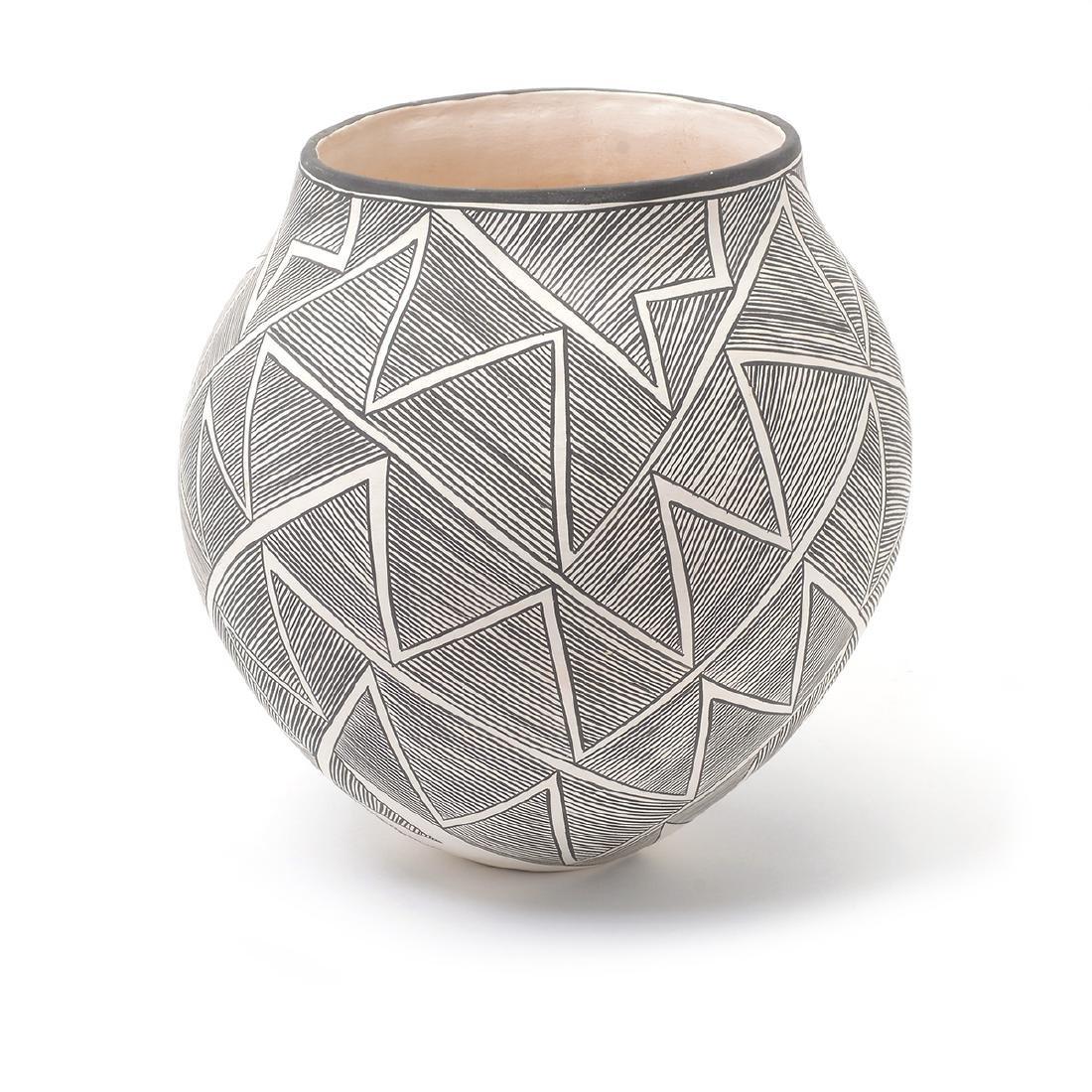 Acoma Geometric Vase with Lightning, B.Goncho, NM - 2
