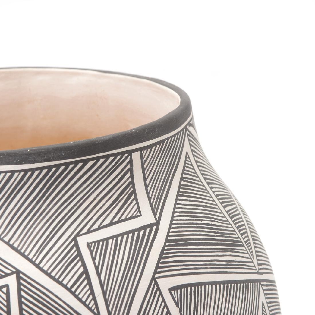 Acoma Geometric Vase with Lightning, B.Goncho, NM - 3
