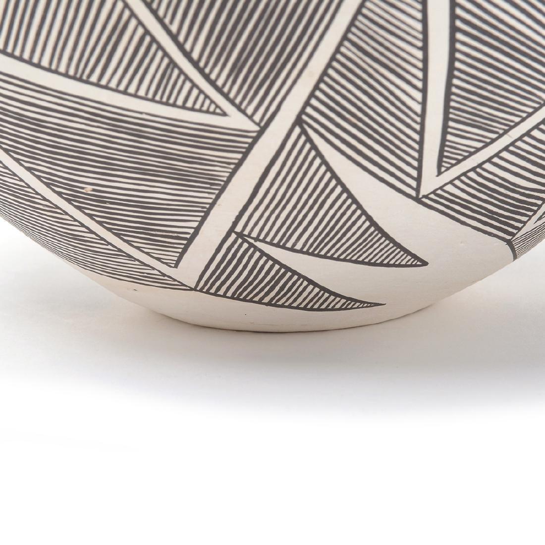 Acoma Geometric Vase with Lightning, B.Goncho, NM - 5
