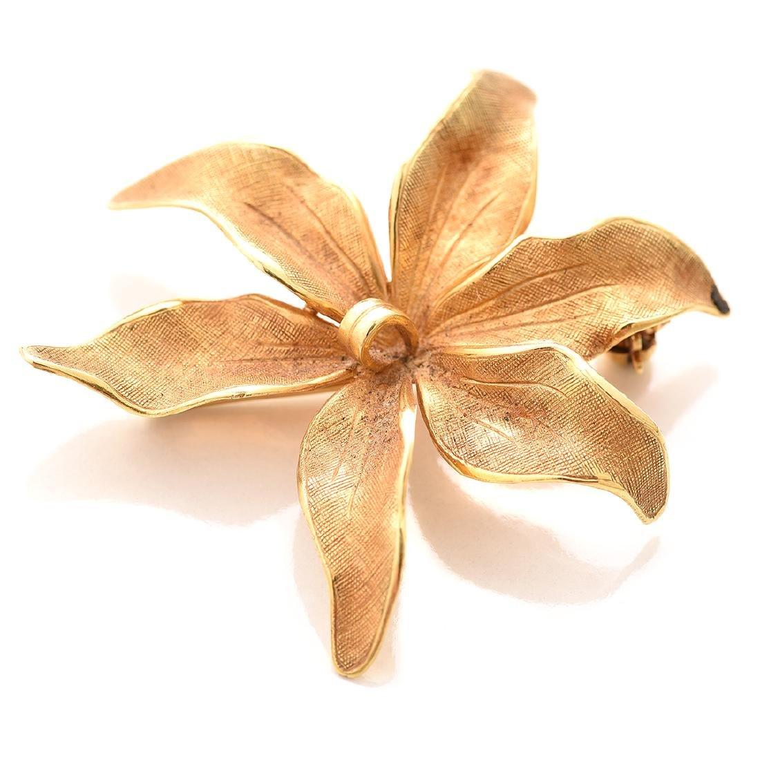 Tiffany & Co. 14k Yellow Gold Flower Brooch.