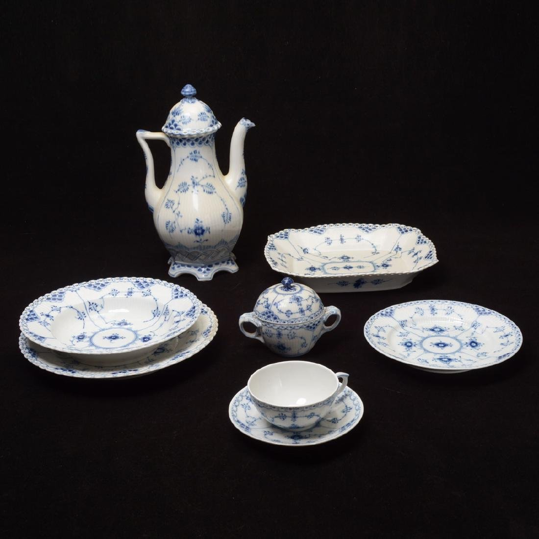 Royal Copenhagen Fluted Blue Lace China Set (31 Pieces)