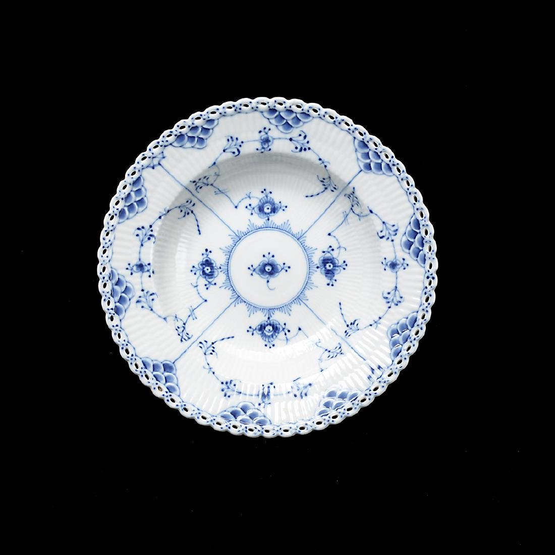 Royal Copenhagen Fluted Blue Lace China Set (31 Pieces) - 6