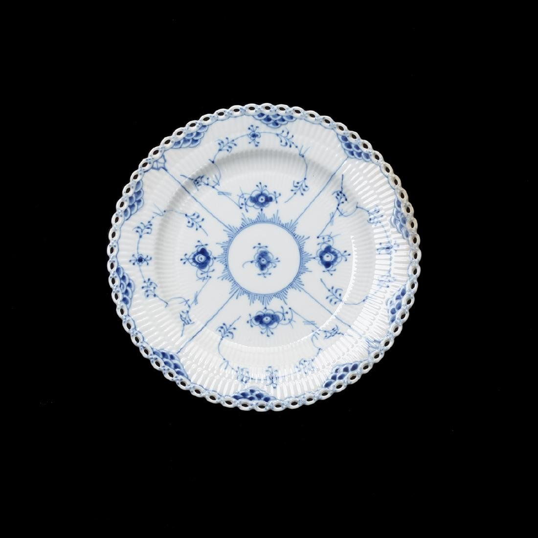 Royal Copenhagen Fluted Blue Lace China Set (31 Pieces) - 7