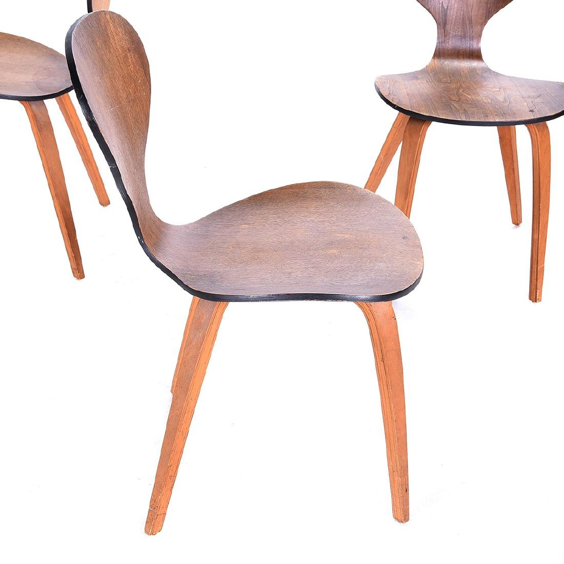 Four Arne Jacobsen Series Seven Chairs. - 3