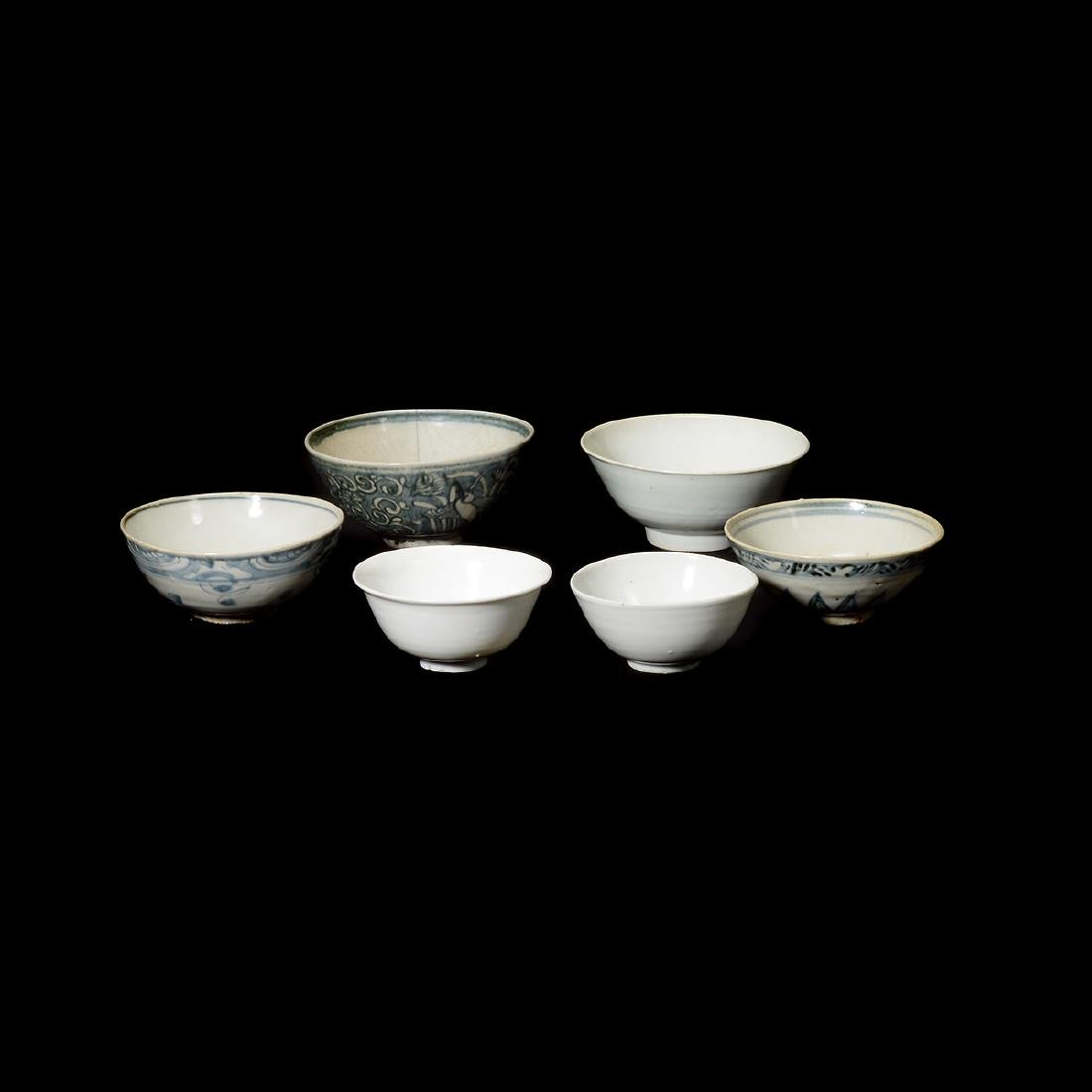 Six Chinese Export Glazed Porcelain Bowls