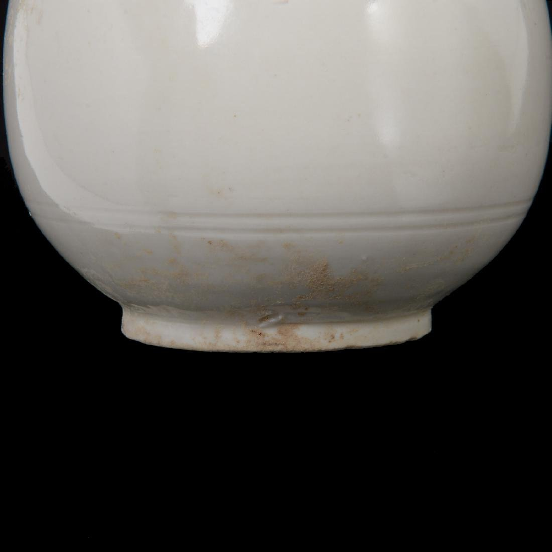 Ding Type White Glazed Vase, Song Dynasty - 4