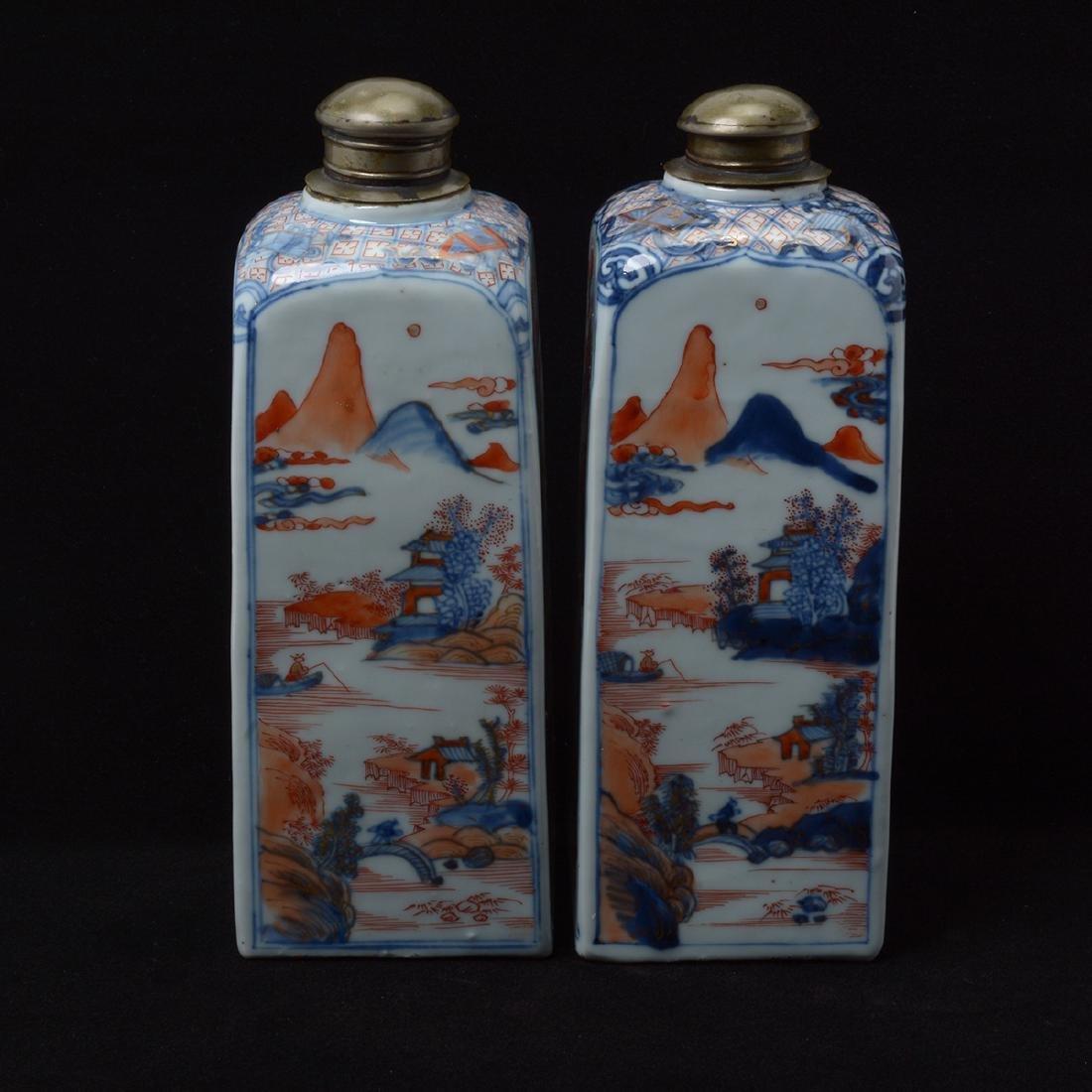 Pair of Chinese Imari Square Bottles, Kangxi Period - 3