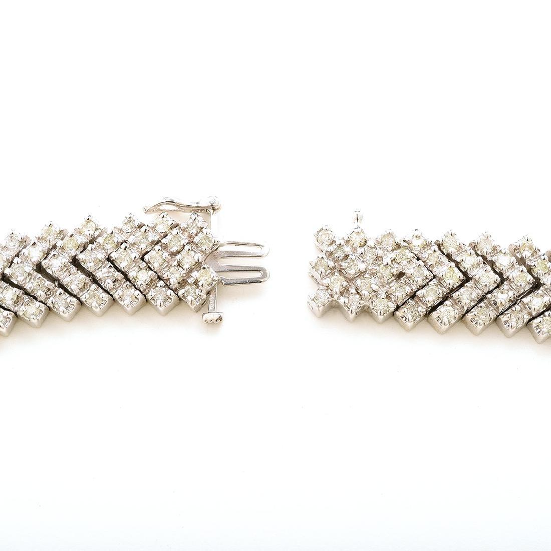 "Diamond, 14k White Gold ""V"" Necklace. - 5"