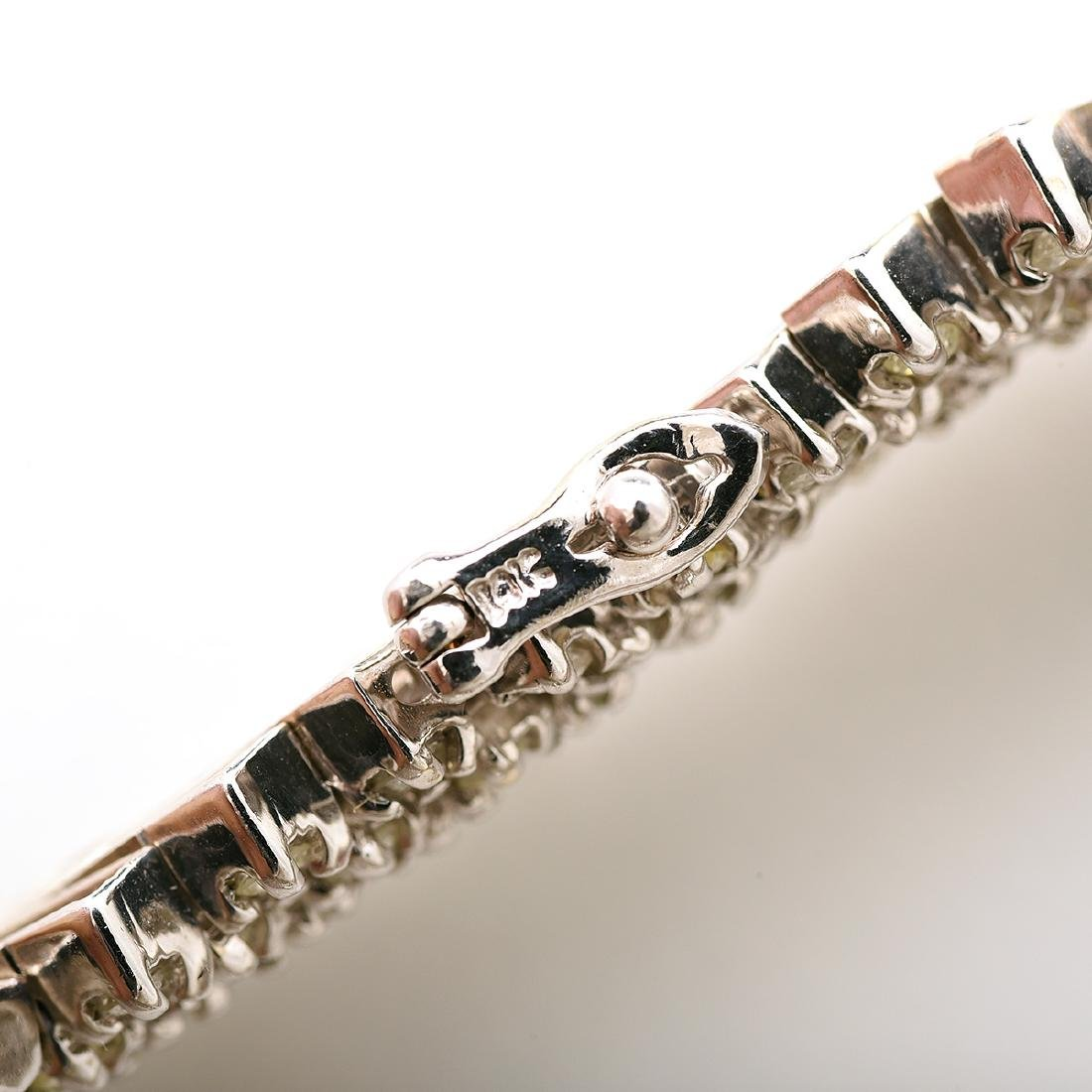 "Diamond, 14k White Gold ""V"" Necklace. - 7"