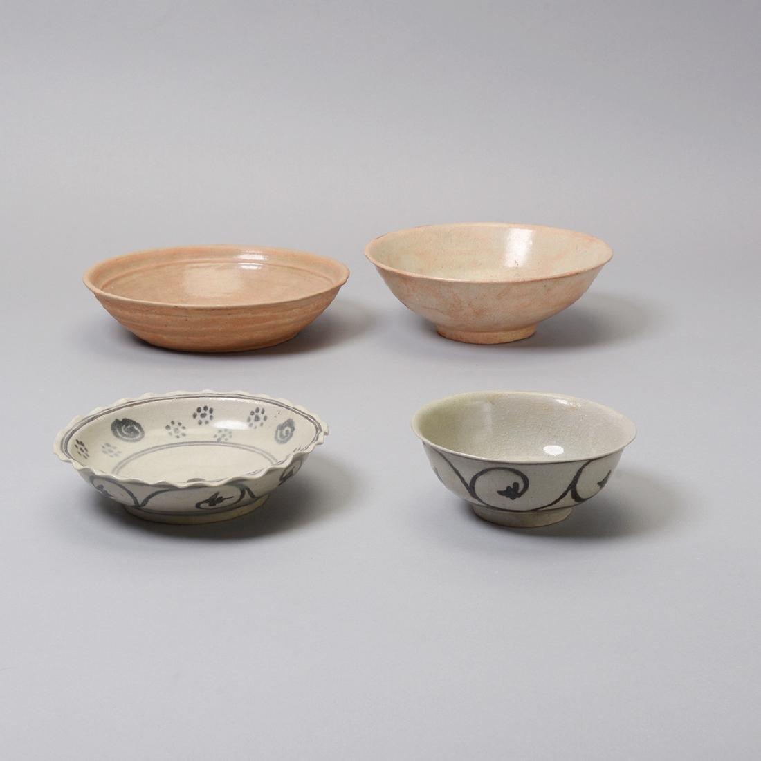 Large Group of Thai Glazed Ceramics, 7th - 16th C - 3