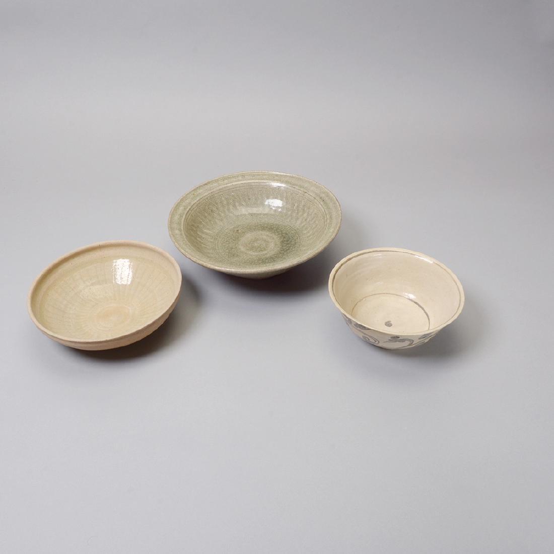 Large Group of Thai Glazed Ceramics, 7th - 16th C - 5