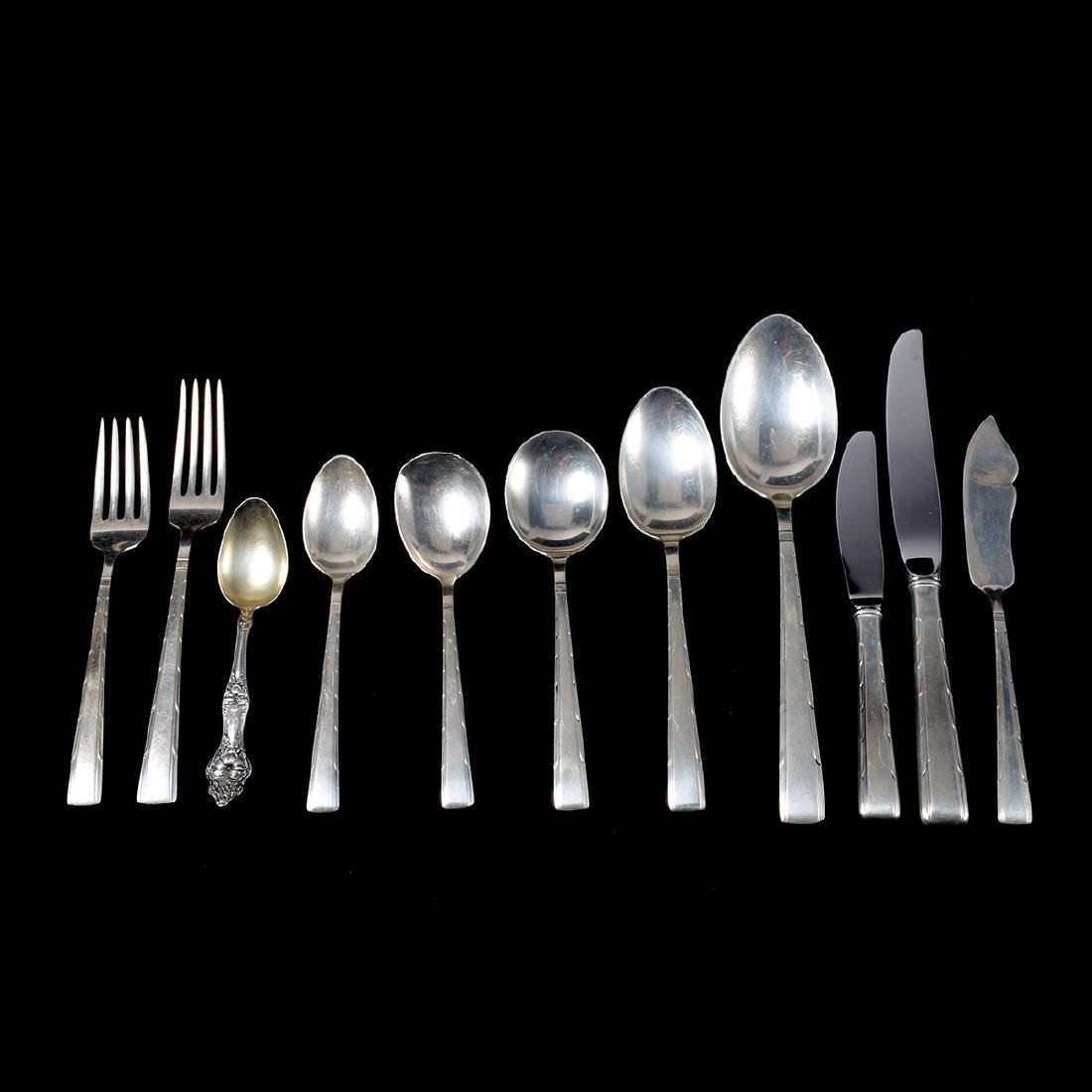 Partial Easterling Horizon Pattern Sterling Flatware