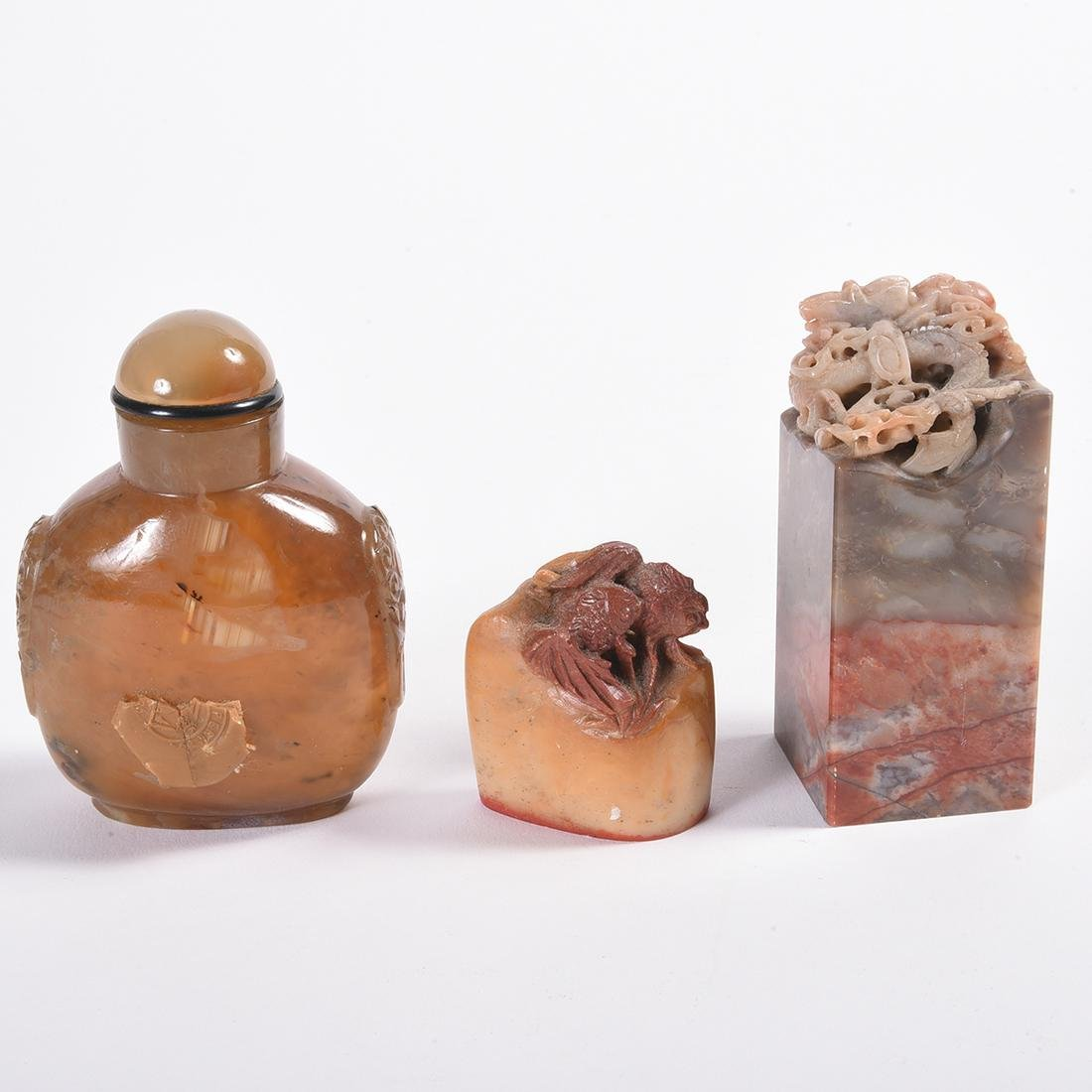 Large Chinese Agate Snuff Bottle and Two Seals