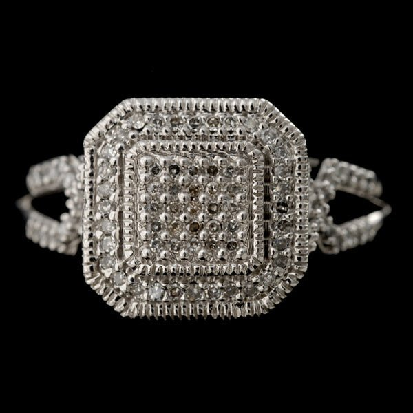 8: DIAMOND, 14K WHITE GOLD RING.