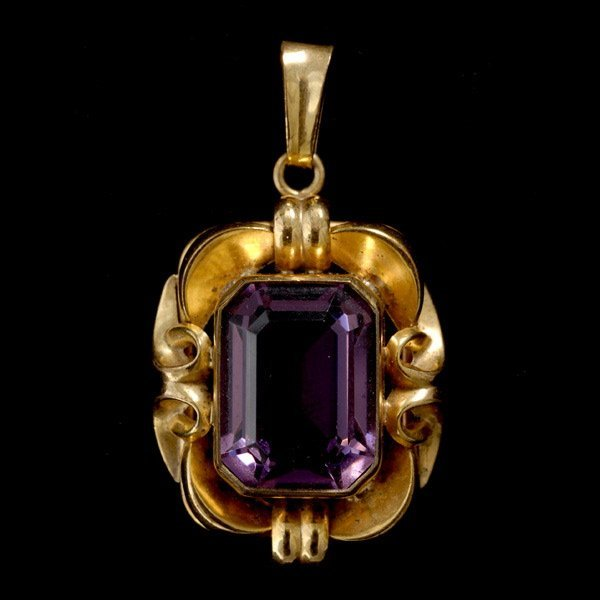 12: AMETHYST, 14K YELLOW GOLD PENDANT.