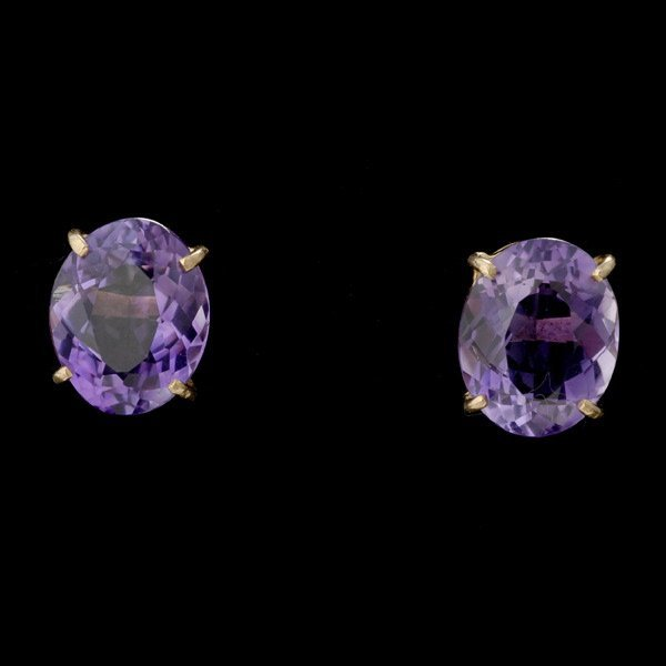 19: PAIR OF AMETHYST, 14K YELLOW GOLD EARRINGS.
