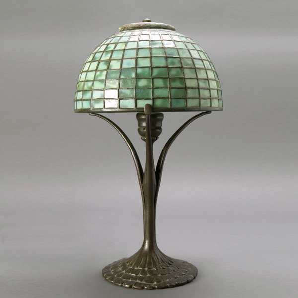 353: Tiffany Studios Green Mottled Leaded Glass Lamp